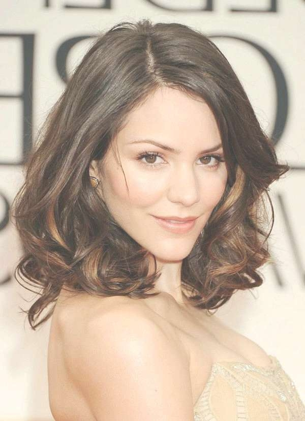 Displaying Gallery Of Medium Hairstyles For Round Faces Curly Hair