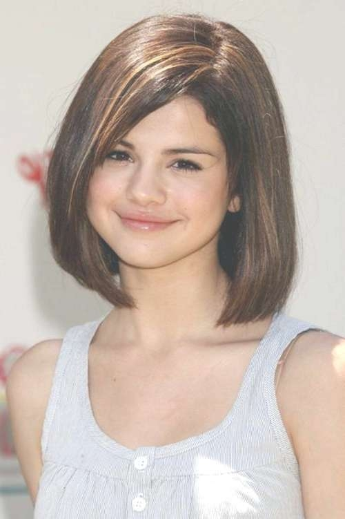 Unique Medium Length Haircuts For Round Faces Over Medium Length Throughout 2018 Medium Haircuts For Fat Faces (View 18 of 25)