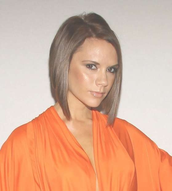 Victoria Beckham Short Inverted Bob Hairstyle – Hairstyles Weekly Within Recent Victoria Beckham Medium Haircuts (View 23 of 25)