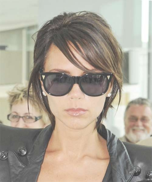 Victoria Beckham Short Straight Casual Hairstyle With Side Swept Bangs In Most Recent Victoria Beckham Medium Hairstyles (View 9 of 25)