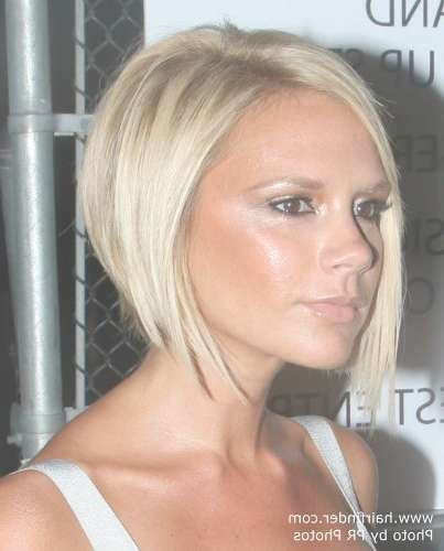 Victoria Beckham Sporting A Blonde Bob With A Shorter Back And Regarding Most Up To Date Victoria Beckham Medium Hairstyles (View 17 of 25)