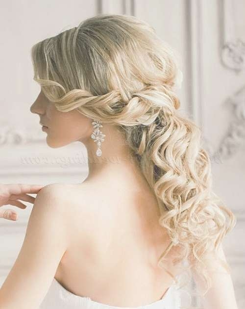 Wedding Hairstyles For Medium Length Hair Half Up Half Down For Newest Wedding Half Up Medium Hairstyles (View 9 of 25)