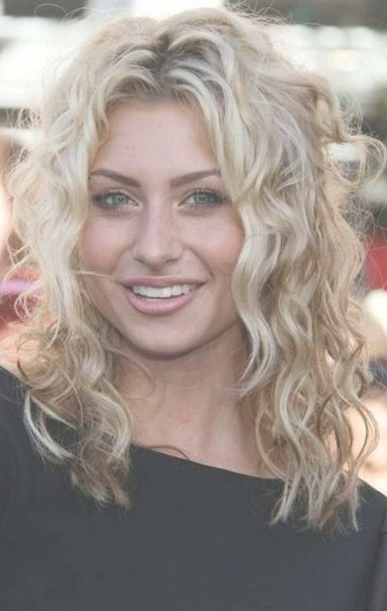 Women Hairstyles : Curly Hairstyles Medium Length 2017 Curly For Current Curly Medium Hairstyles For Round Faces (View 16 of 25)