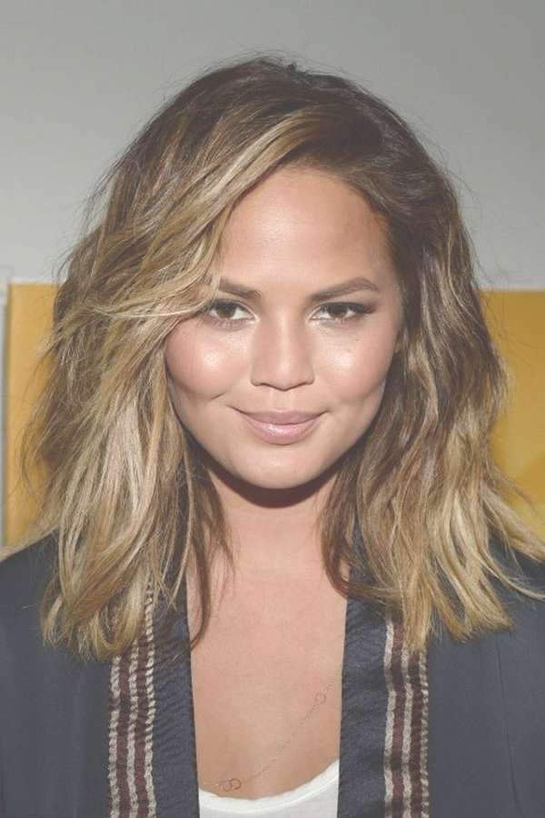 Explore Gallery Of Medium Haircuts For Big Round Face Showing 17 Of