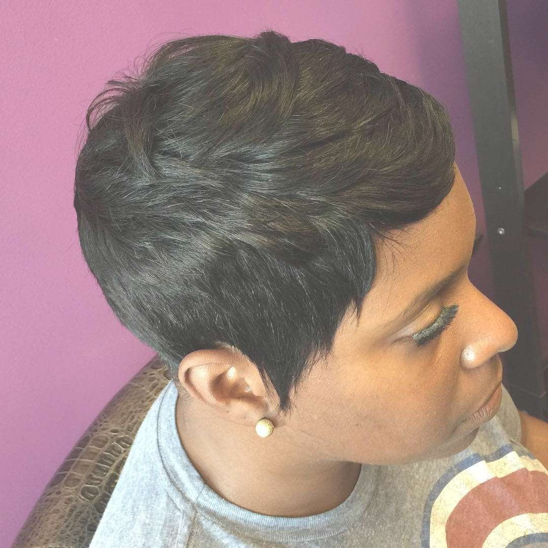 Featured Photo of Black Pixie Hairstyles