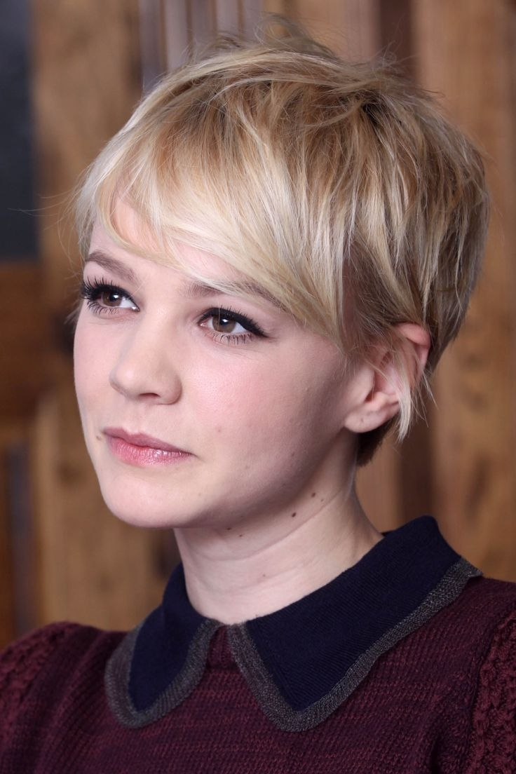 Carey Mulligan Short Haircut: Pltinium Long Messy Pixie Hair Regarding 2018 Pixie Hairstyles With Long Sides (View 3 of 15)