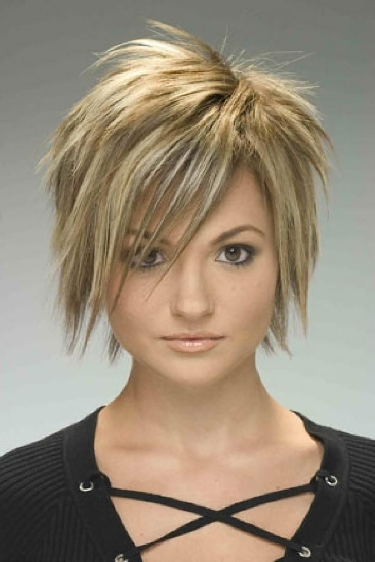 Choppy Layered Haircut 2018 With Regard To Most Recently Textured Pixie Hairstyles (View 4 of 15)