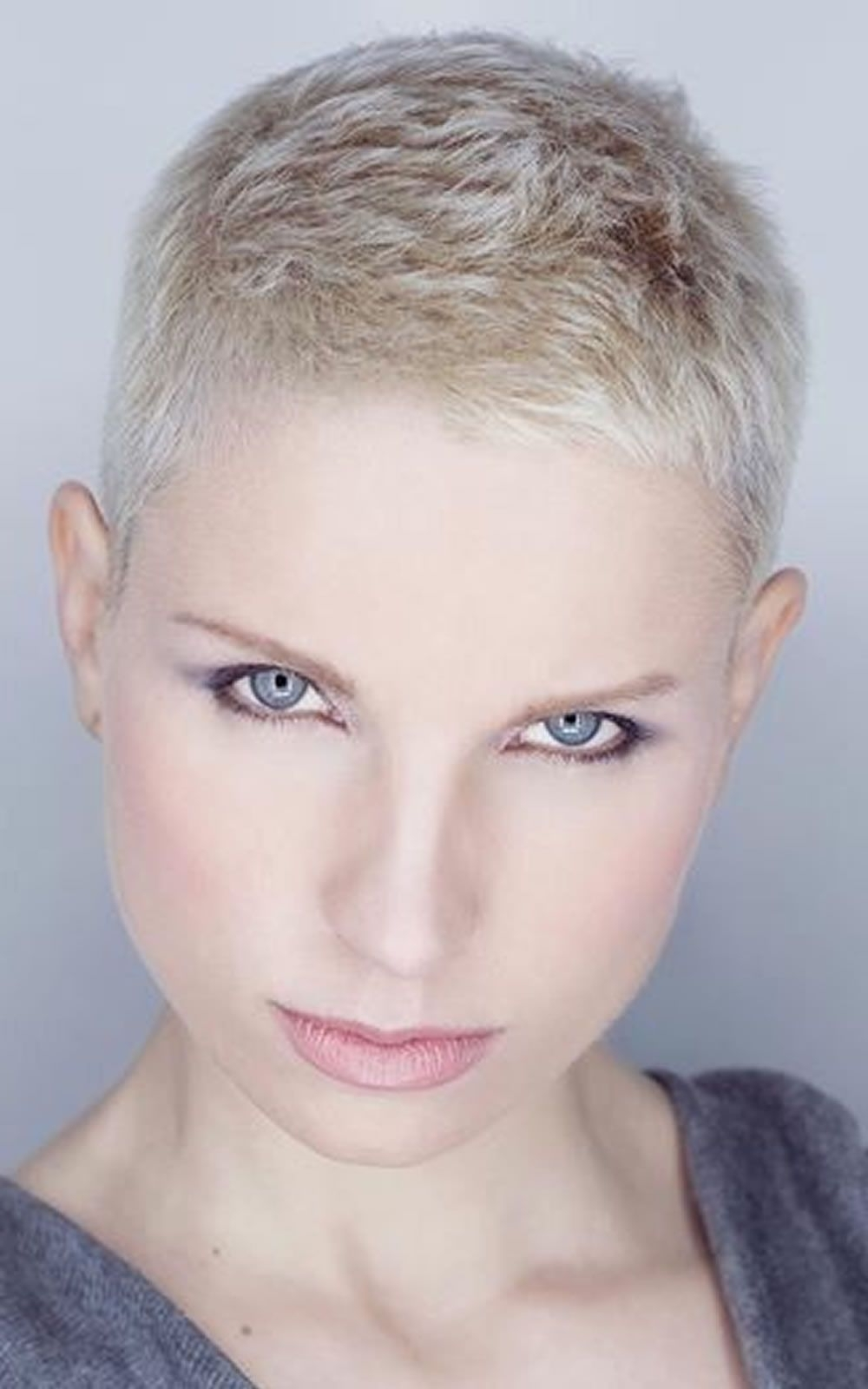 Displaying Photos Of Short Pixie Hairstyles For Round Face View 6