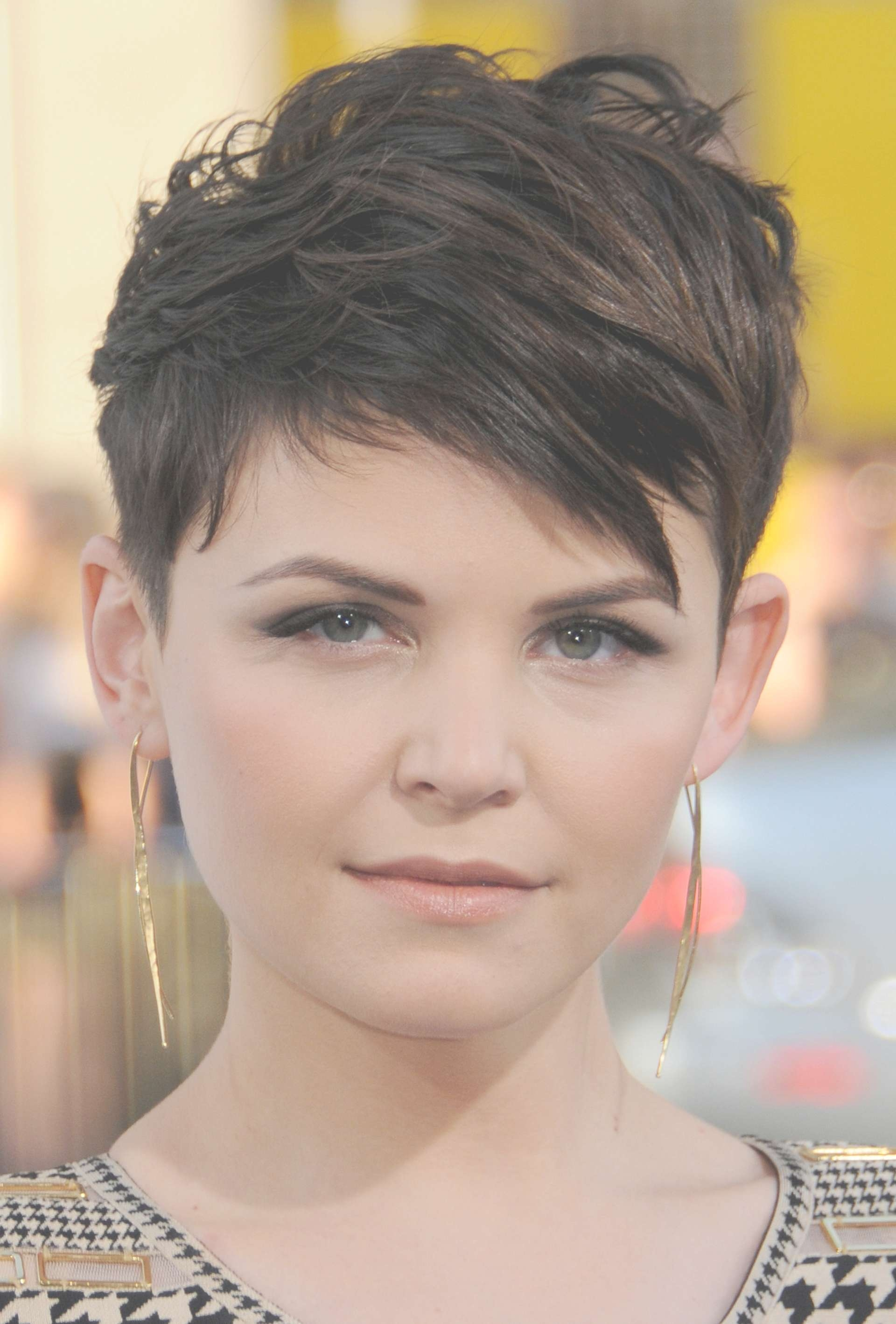Ginnifer Goodwin Short Pixie Hairstyle – Pixie Haircuts For Short Inside Current Actress Pixie Hairstyles (View 9 of 15)