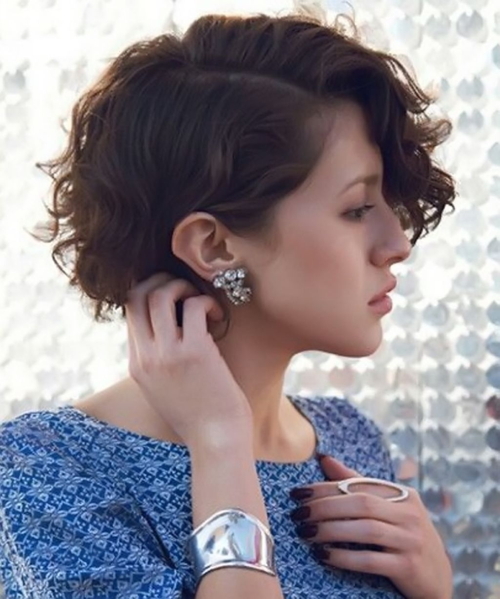 Hairstyles For Heart Shaped Faces Curly Hair This Style Is Curly In Most Recently Long Pixie Hairstyles For Curly Hair (View 4 of 15)