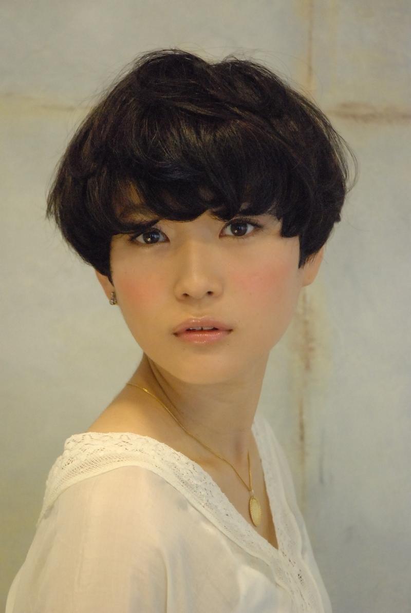 Women S Bowl Haircut 039 299295 Twisties Hair Model With