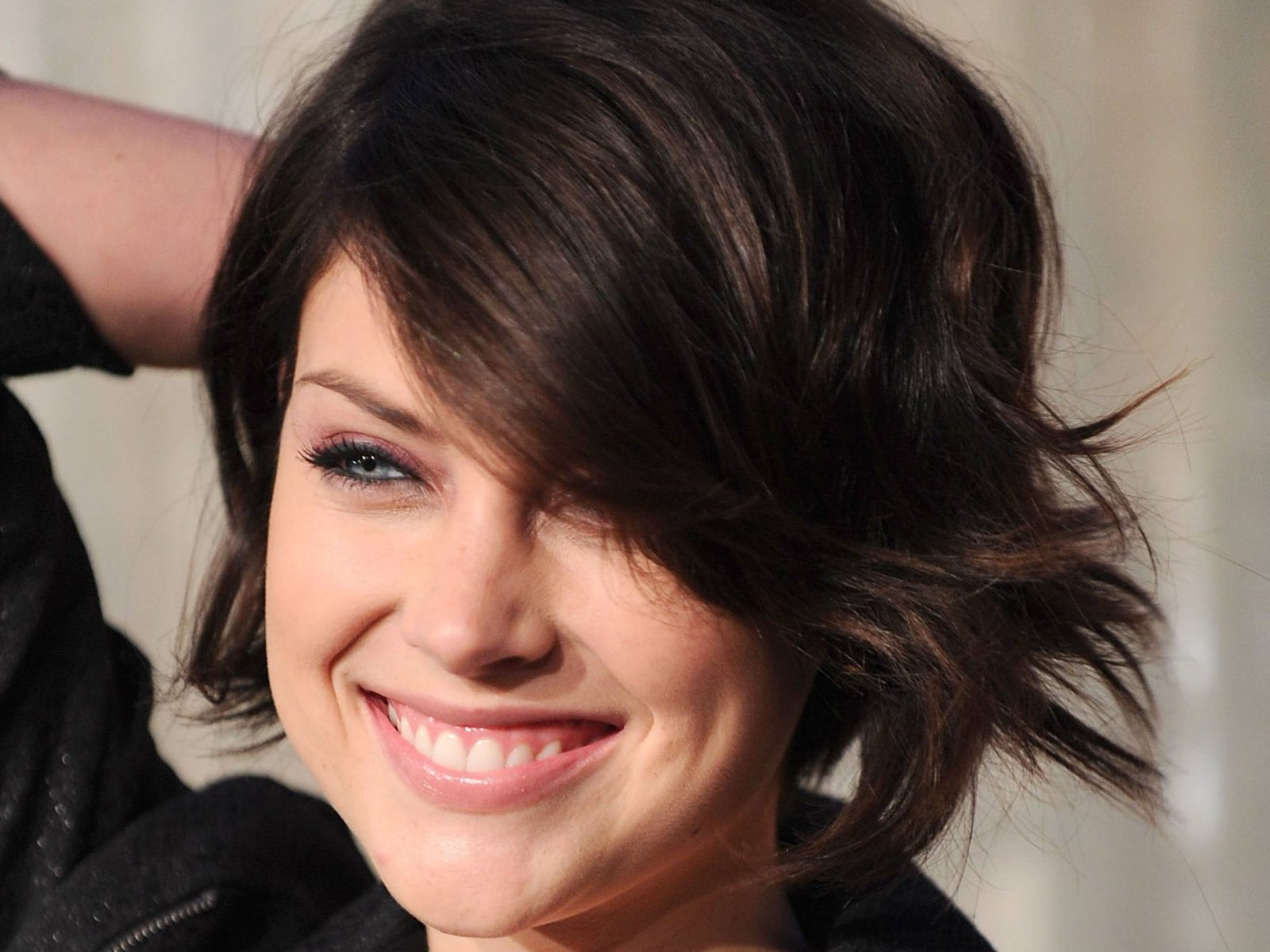Jessica Stroup Cut Color Hairs Beautiful Short Hairstyles Cute pertaining to Most Recent Jessica Stroup Pixie Hairstyles
