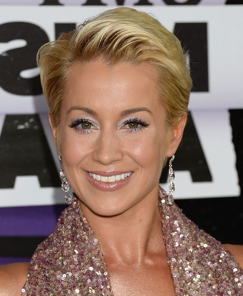 Featured Photo of Kellie Pickler Pixie Hairstyles