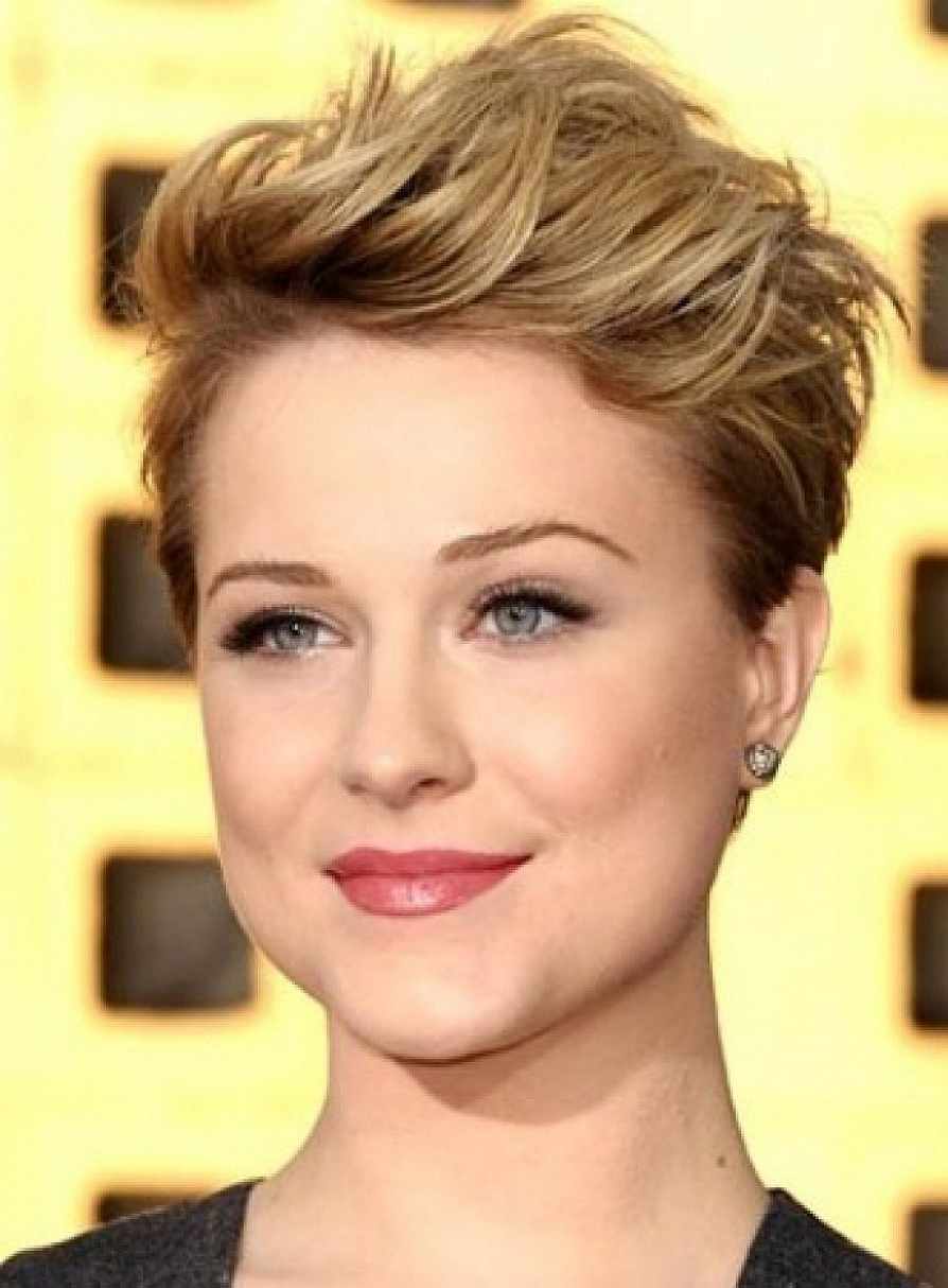 Koench : 21 Lovely Pixie Haircuts Perfect For Round Faces With Most Recent Pixie Hairstyles For Round Face Shape (View 14 of 15)