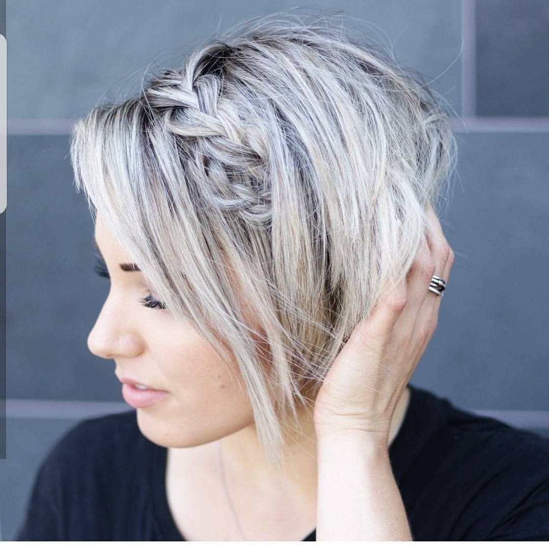 Medium Layered Pixie Haircuts With Side Bangs For Women Wavy Hair Throughout Current Easy Pixie Hairstyles (View 13 of 15)