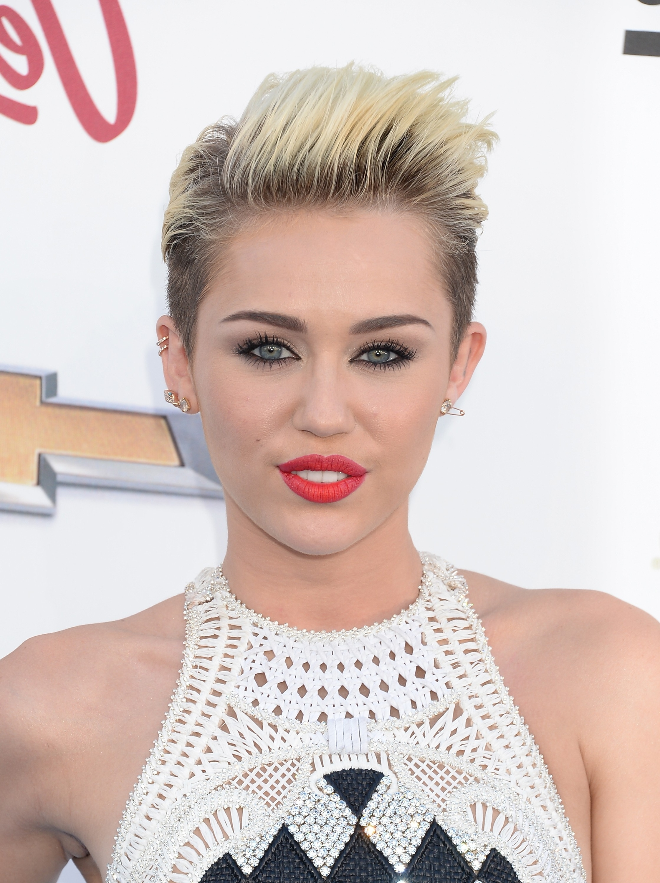 Featured Photo of Miley Cyrus Pixie Hairstyles