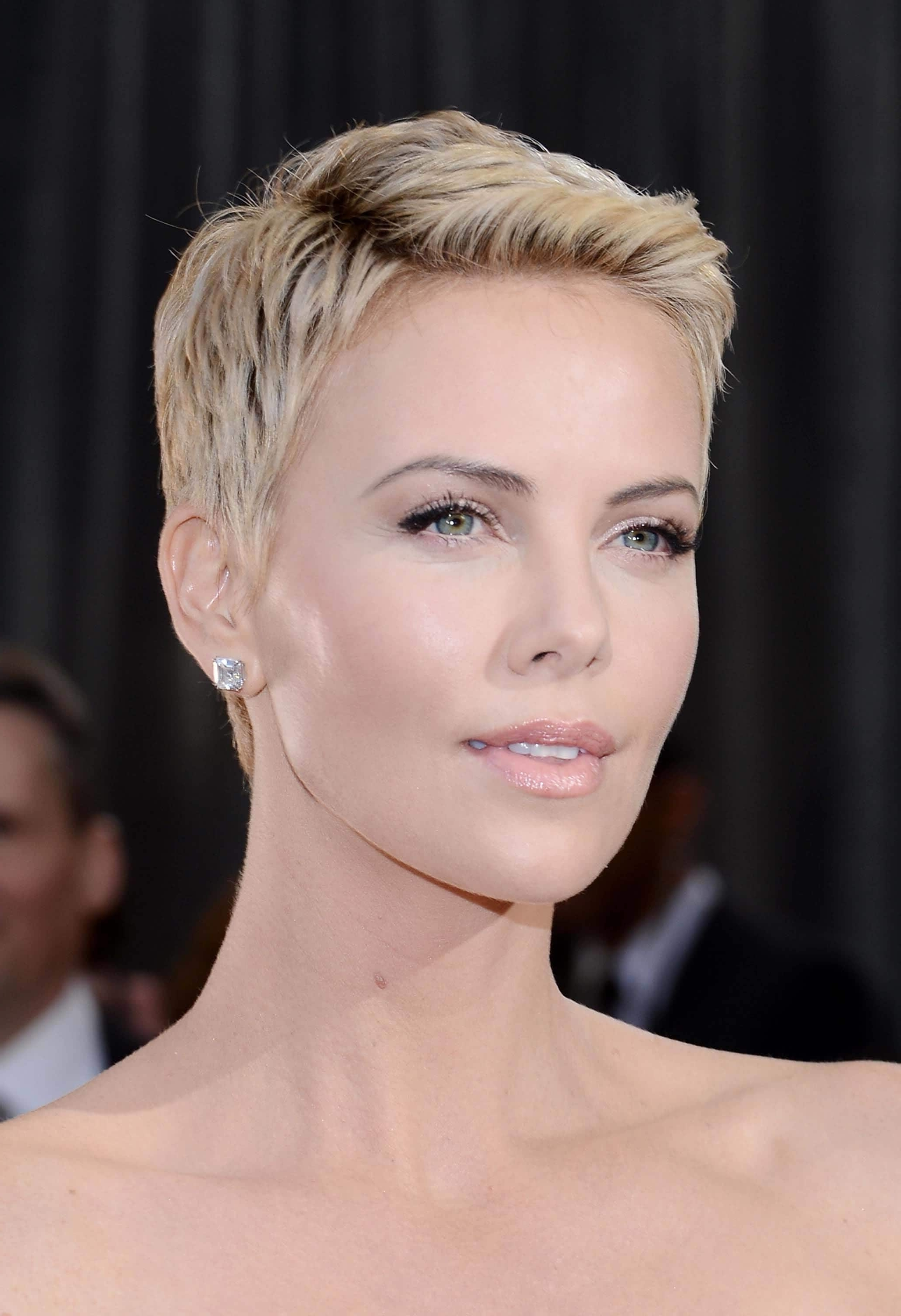 Featured Photo of Pixie Hairstyles For Heart Shaped Faces