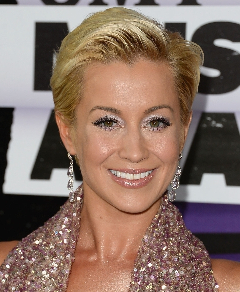 Pixie Haircuts For Round Faces The Right Pixie Cut For Your Face Shape Within Current Kellie Pickler Pixie Hairstyles (View 7 of 15)