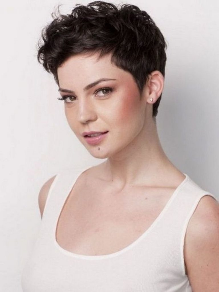 Featured Photo of Pixie Hairstyles For Thick Wavy Hair