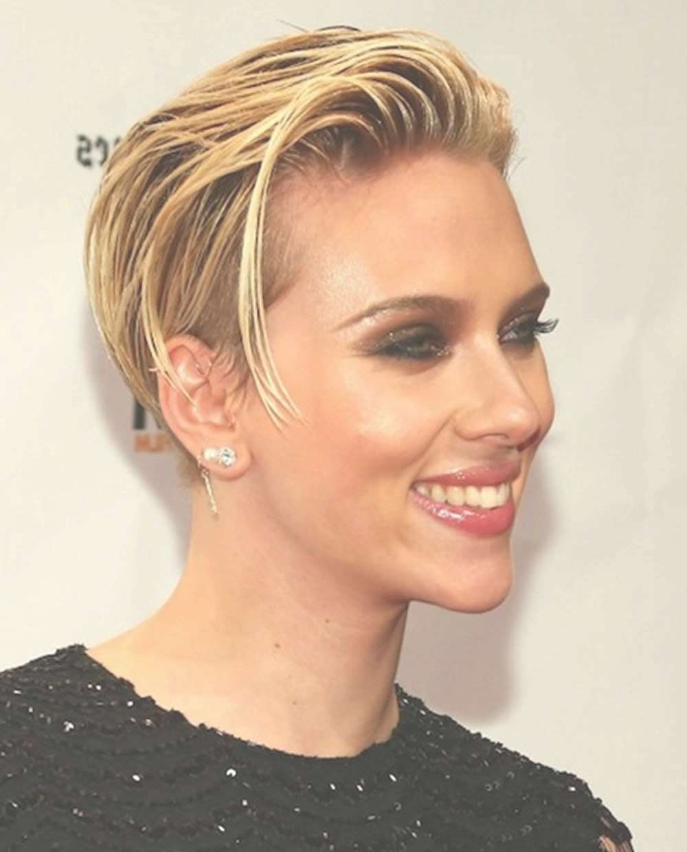 Scarlett Johansson's Hairstyles 2018 & Bob+Pixie Haircuts For In Most Popular Bob Pixie Hairstyles (View 6 of 12)