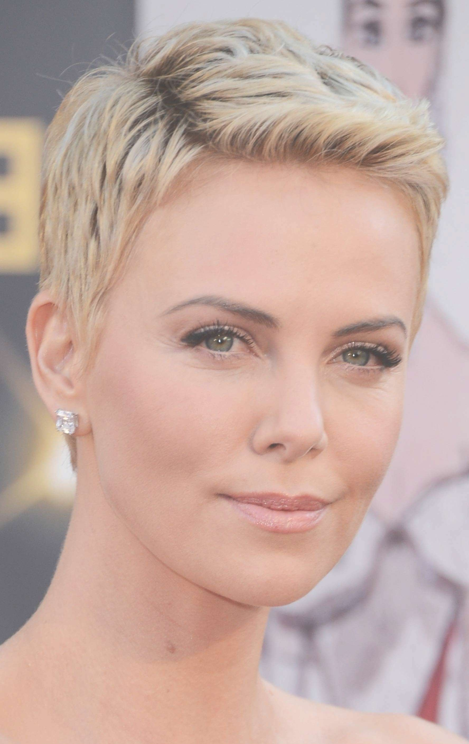 Featured Photo of Pixie Hairstyles For Oval Face Shape