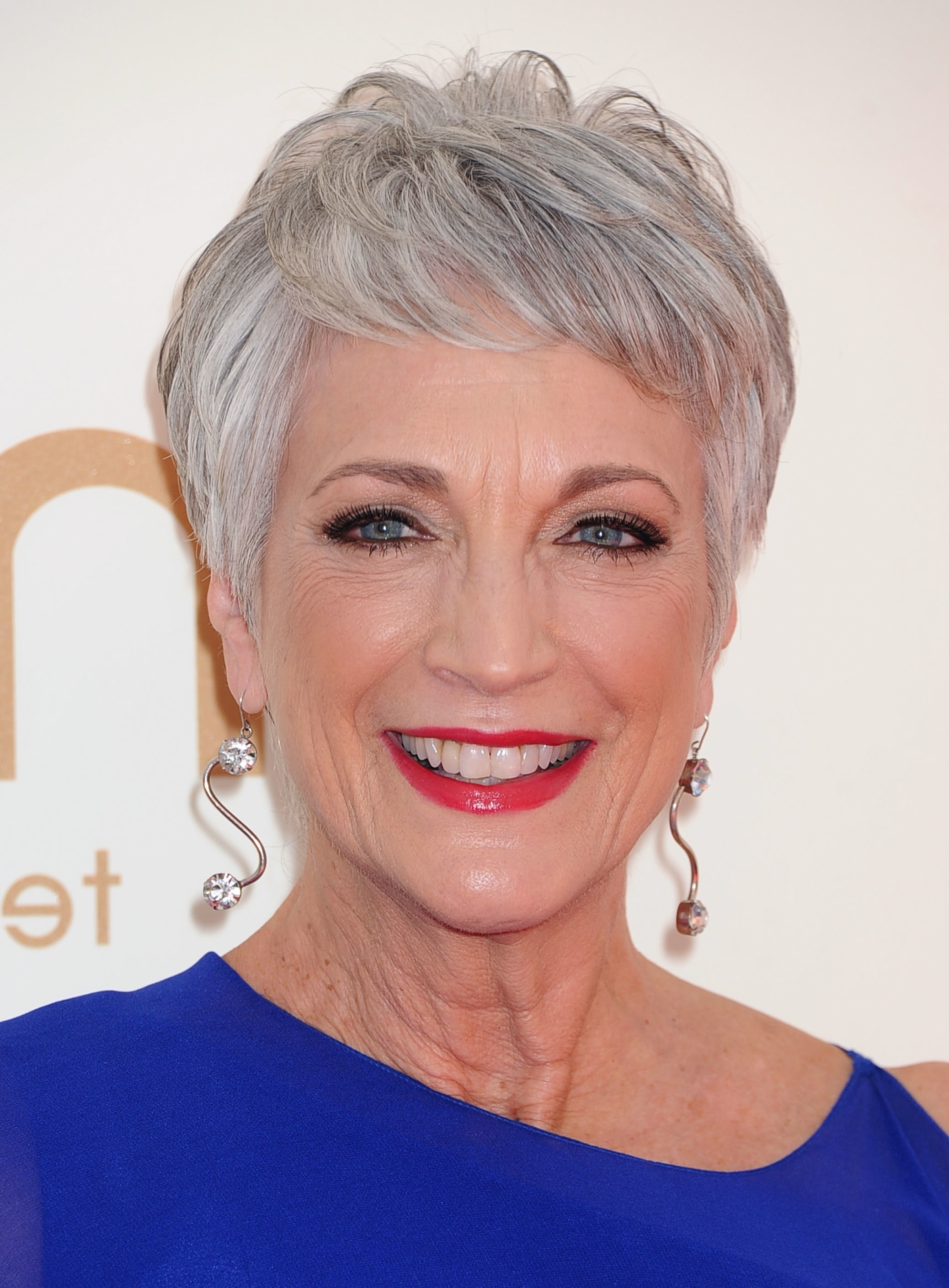 Short Hairstyles For Wavy Gray Hair – Simple Fashion Style Regarding Recent Gray Hair Pixie Hairstyles (View 4 of 15)