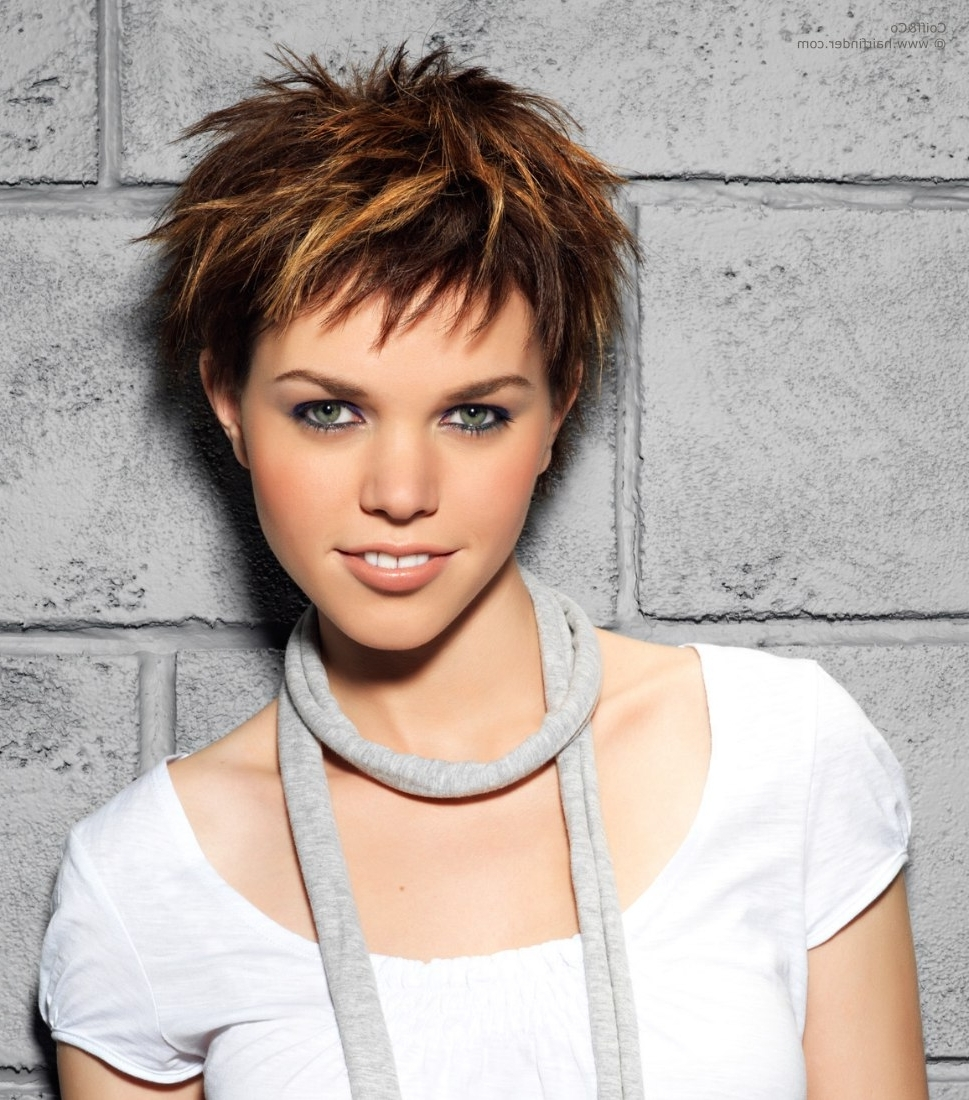 Displaying Photos Of Pixie Hairstyles With Highlights View 13 Of 15
