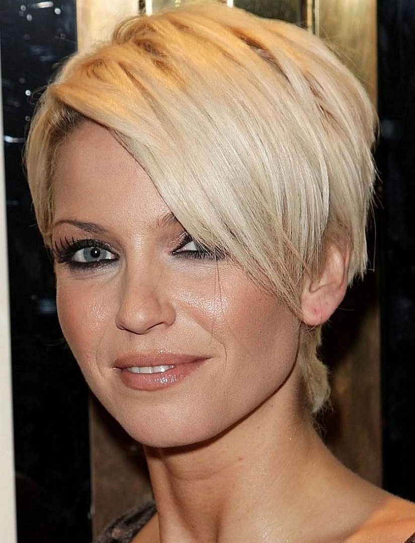 Short Pixiecuts For Fine Best Pixie Hairstyles With Long Bangs Throughout Newest Pixie Hairstyles With Long Bangs (View 5 of 15)