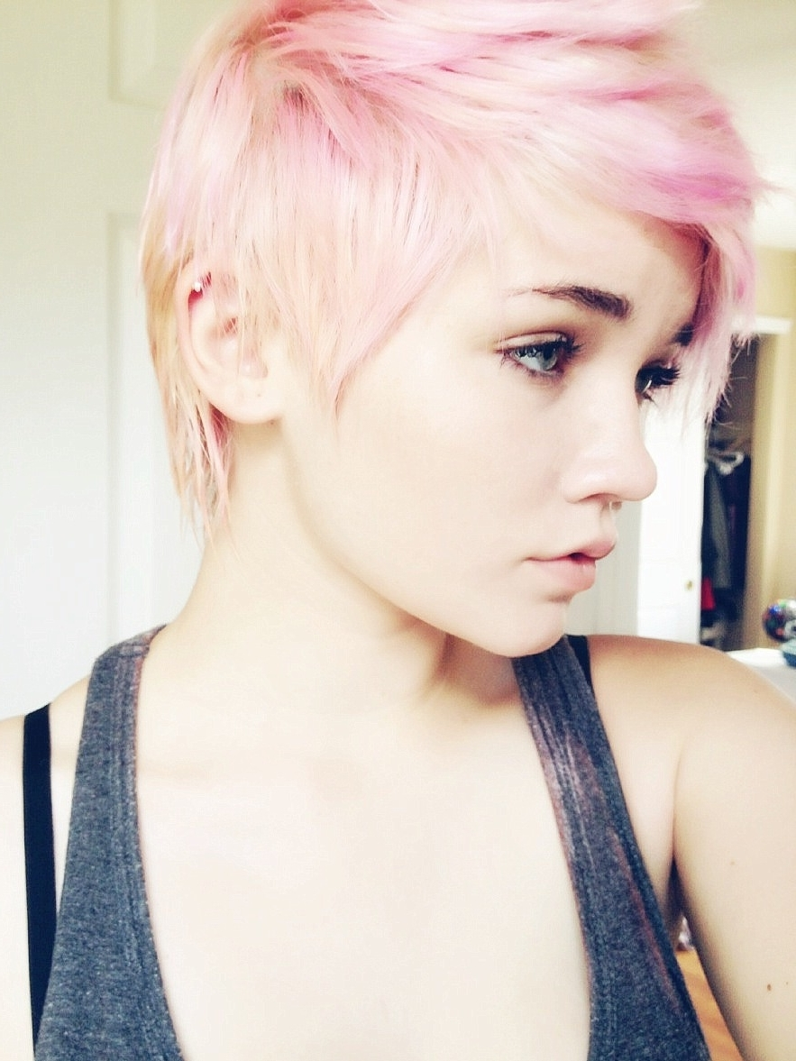 So Jelly Of The Girls That Can Pull Off The Pixie Haircuts (View 12 of 15)