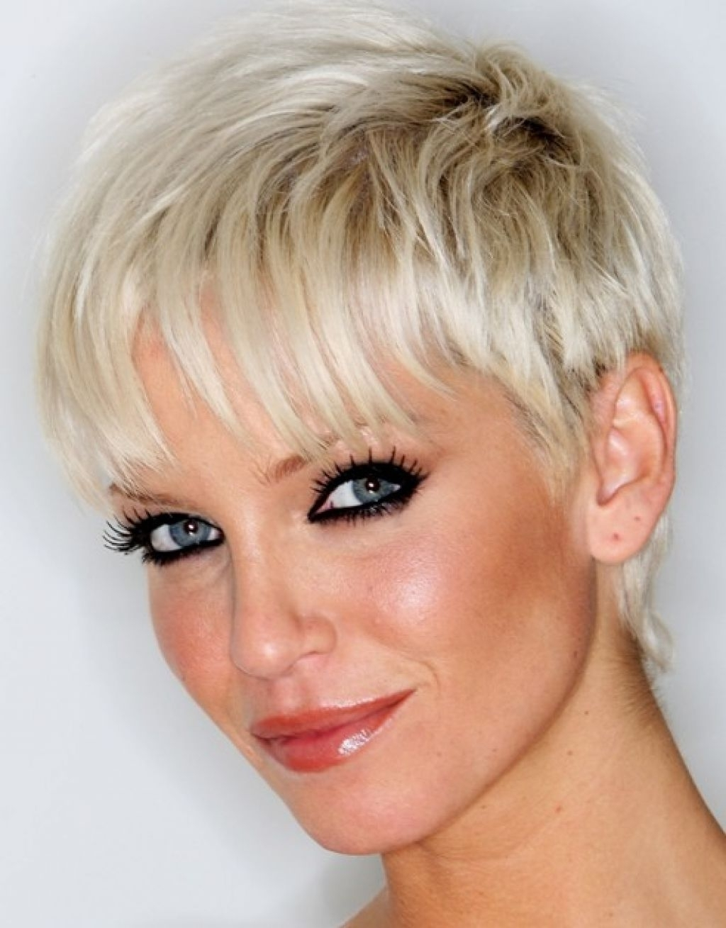 Displaying Photos Of Short Pixie Hairstyles For Thin Hair View 6 Of
