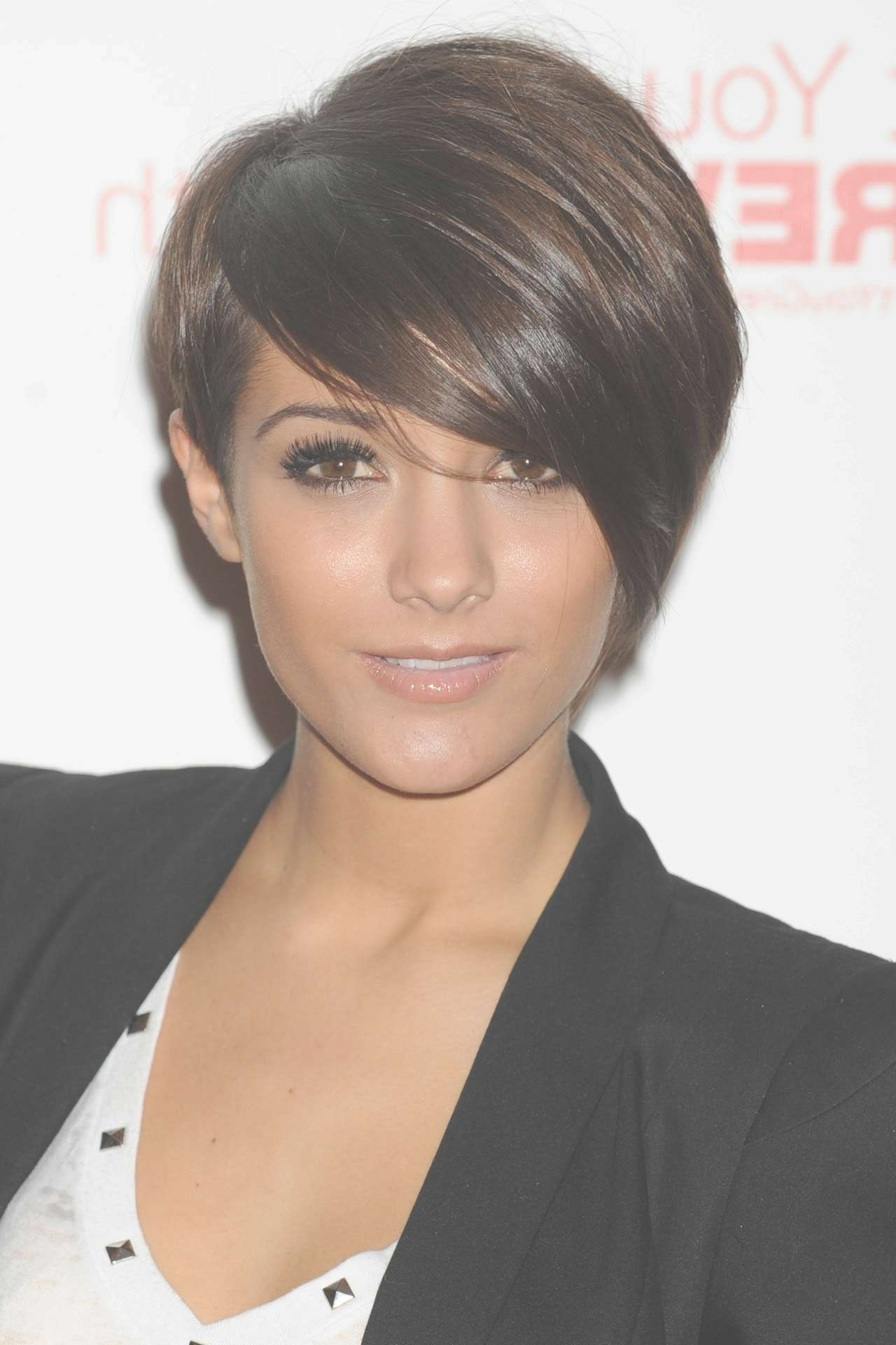Want A Fringe? Pick Your Style Here, From Blunt Cuts To Side Swept In Newest Blunt Pixie Hairstyles (View 14 of 16)
