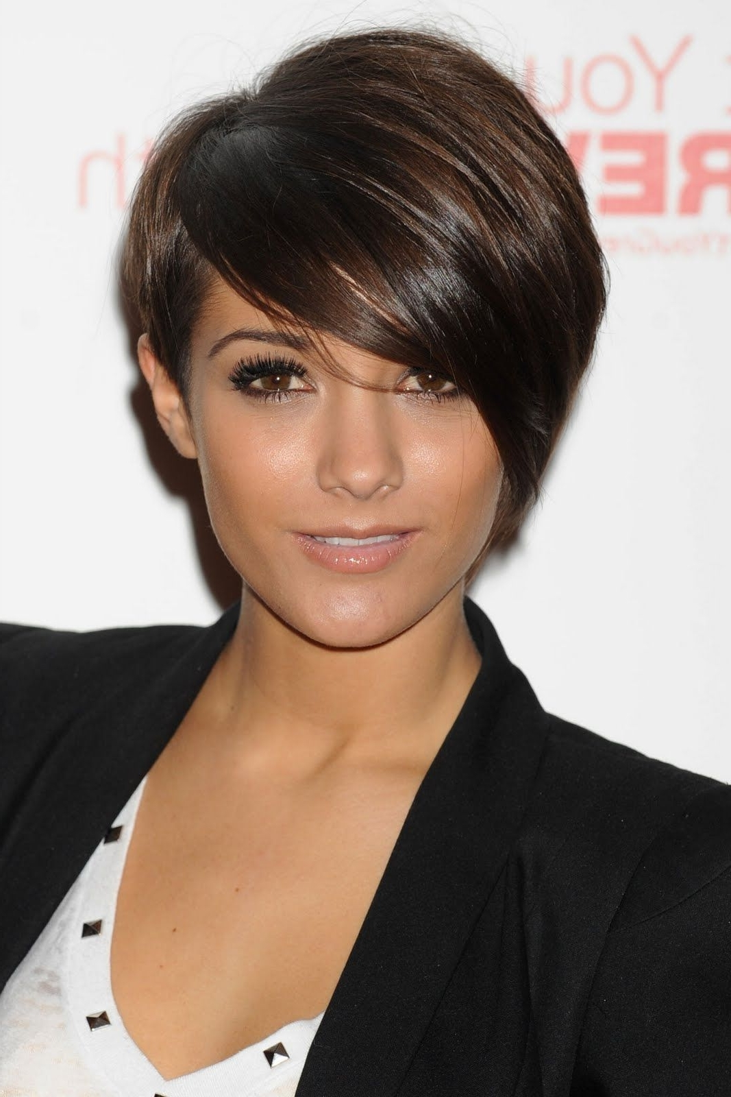 Want A Fringe? Pick Your Style Here, From Blunt Cuts To Side Swept With Regard To Most Current Pixie Hairstyles With Long Side Swept Bangs (View 7 of 15)