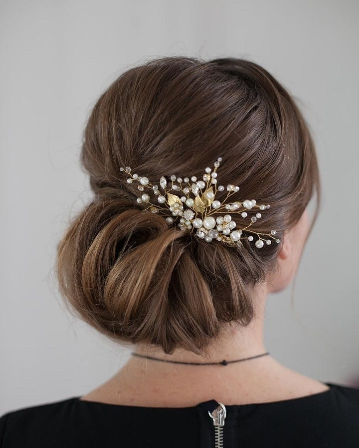 35 Romantic Wedding Updos For Medium Hair: The Best Wedding Updos For Medium Length Hair