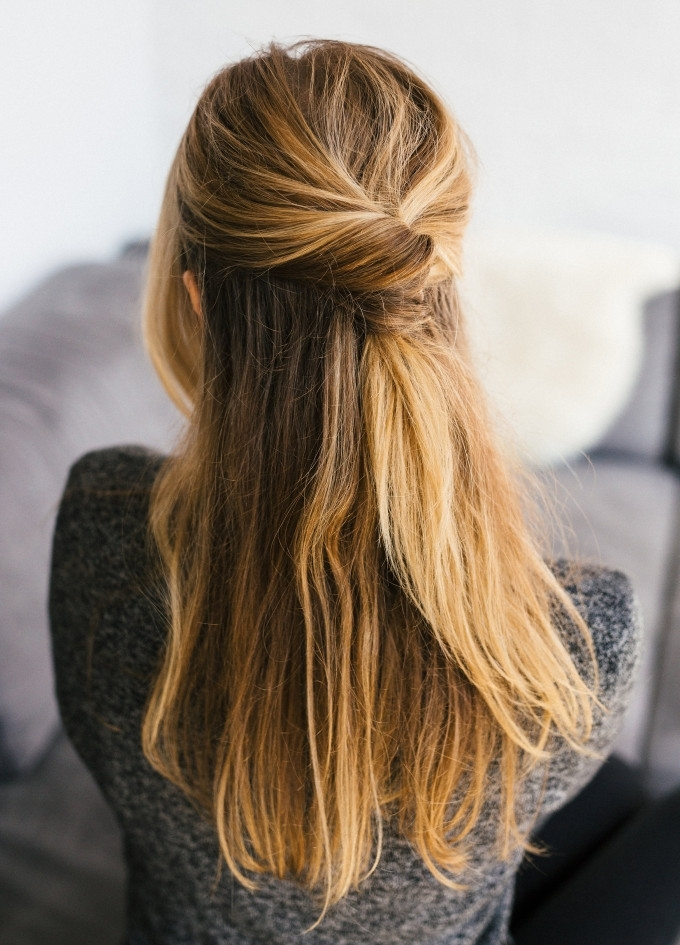 15 Casual & Simple Hairstyles That Are Half Up, Half Down Intended For 2018 Easy Half Updo Hairstyles (View 1 of 15)