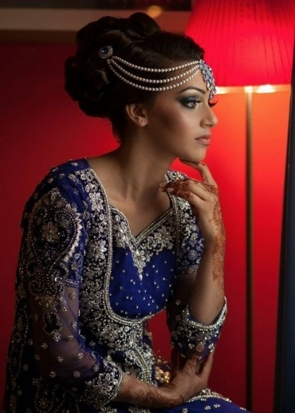 16 Glamorous Indian Wedding Hairstyles – Pretty Designs Regarding For Recent Indian Wedding Updo Hairstyles (View 3 of 15)