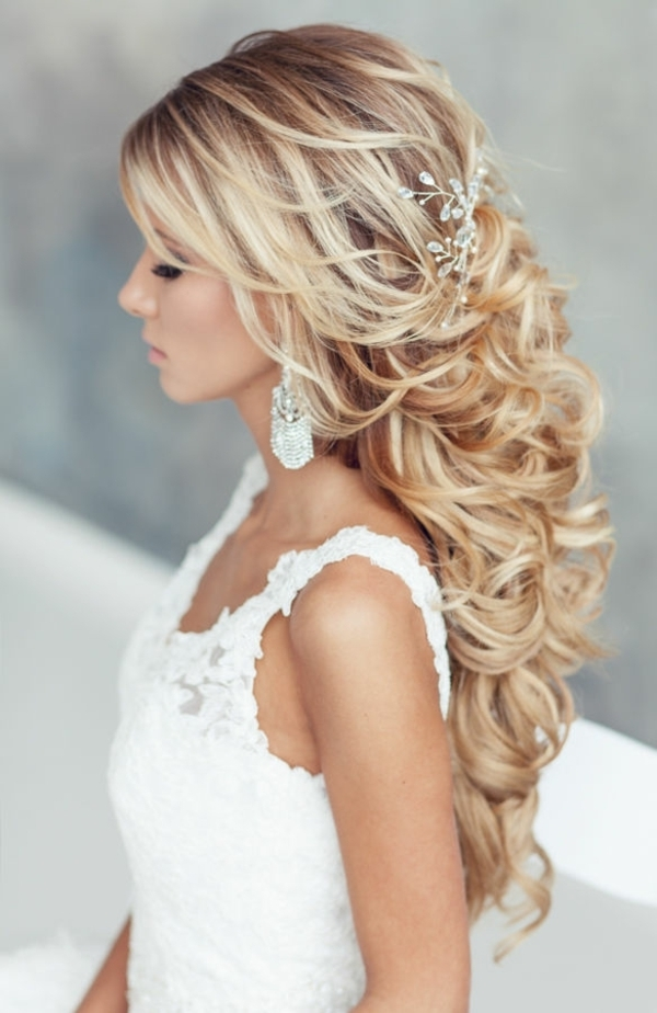 20 Awesome Half Up Half Down Wedding Hairstyle Ideas With Most Popular Elegant Half Updo Hairstyles (View 1 of 15)