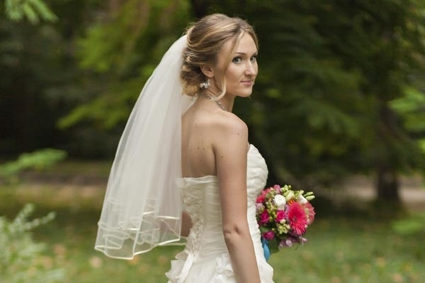 25 Beautiful Wedding Hair Updos Throughout Most Current Wedding Updo Hairstyles With Veil (View 4 of 15)