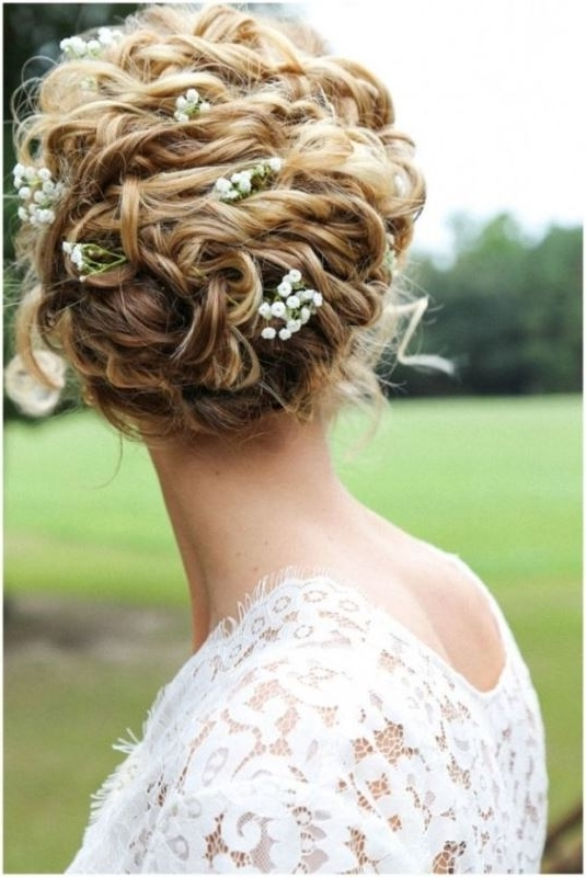 29 Charming Bride's Wedding Hairstyles For Naturally Curly Hair In Most Recent Bridal Updos For Curly Hair (View 8 of 15)
