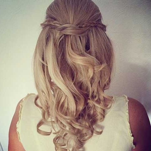 30 Best Half Up Curly Hairstyles | Hairstyles & Haircuts 2016 – 2017 Pertaining To Most Current Curly Half Updo Hairstyles (View 7 of 15)
