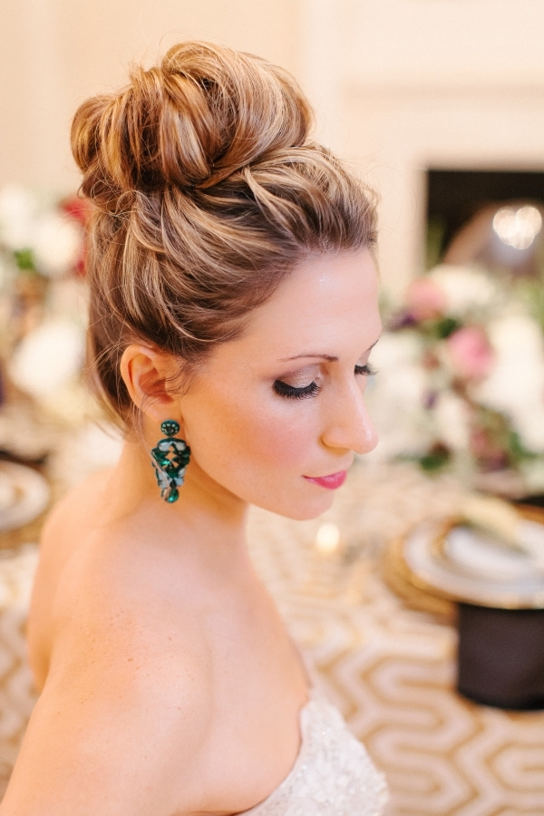 30 Top Knot Bun Wedding Hairstyles That Will Inspire(With Tutorial Inside 2018 Wedding Bun Updo Hairstyles (View 2 of 15)