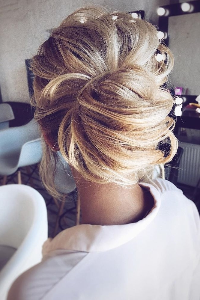 30 Top Wedding Updos For Medium Hair | Medium Hair, Updos And Weddings In Recent Wedding Updos For Medium Hair (View 4 of 15)
