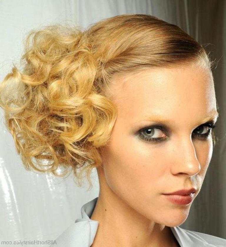 31 Stylish Short Updo Hairstyle For Newest Updo Hairstyles For Short Curly Hair (View 15 of 15)