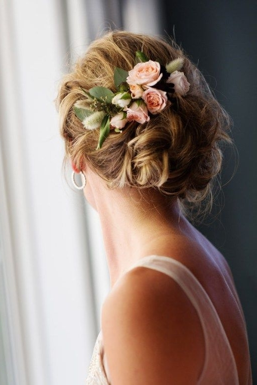 38 Gorgeous Wedding Hairstyles With Fresh Flowers – Weddingomania Inside Latest Updo Hairstyles With Flowers (View 12 of 15)