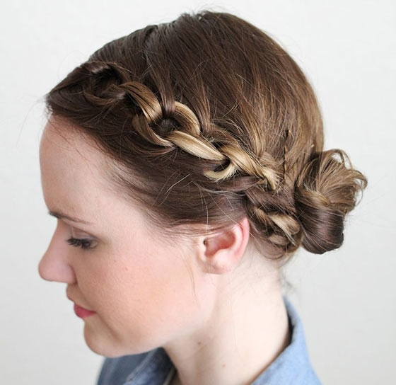 40 Quick And Easy Updos For Medium Hair Pertaining To Most Popular Updo Hairstyles For Medium Hair (View 10 of 15)