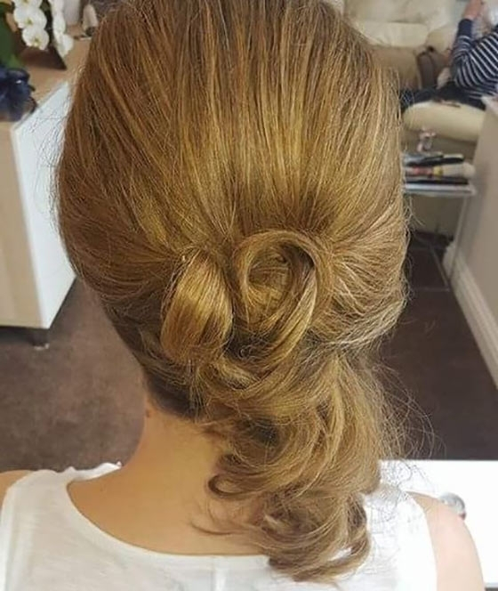 40 Quick And Easy Updos For Medium Hair Regarding Current Half Updo Hairstyles For Medium Hair (View 15 of 15)