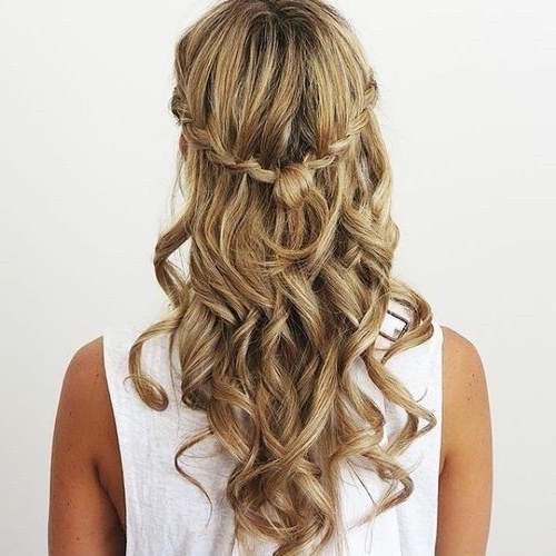 50 Half Updos For Your Perfect Everyday And Party Looks | Half Updo Regarding Most Recently Half Updos For Long Hair (View 9 of 15)