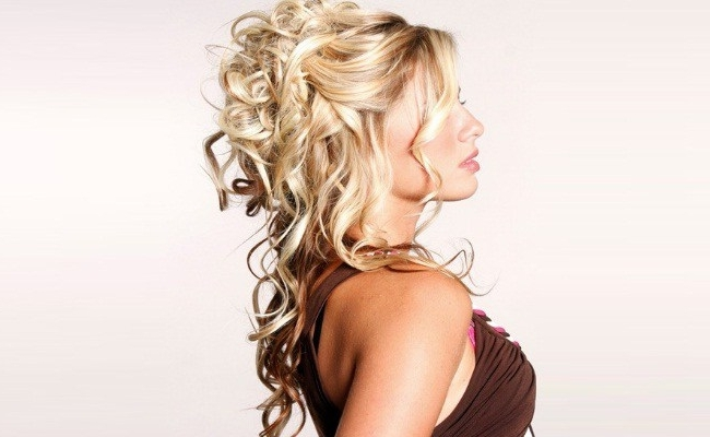 8 Gorgeous Hairstyles That Make You Look Like A Greek Goddess Inside Most Recent Half Curly Updo Hairstyles (View 15 of 15)
