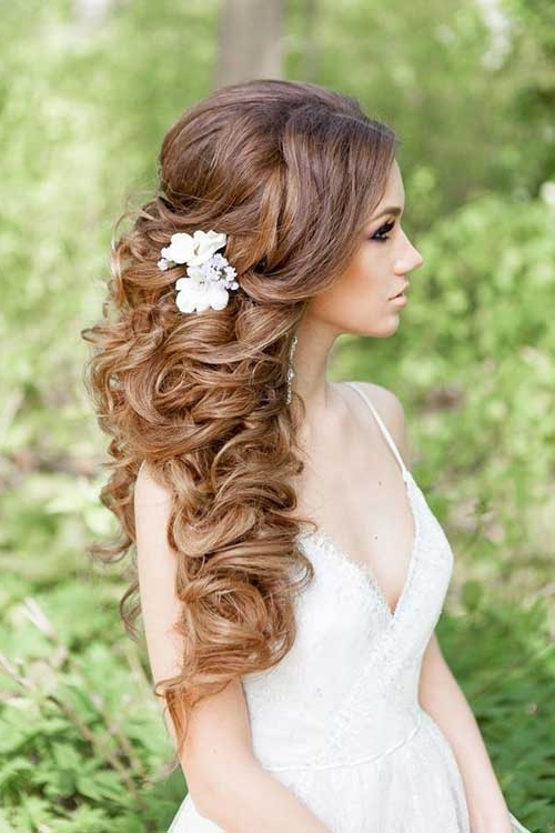 87+ Summer Wedding Hairstyles 2018 – Latest Hair Trend Fashion Craze For Most Up To Date Curly Long Updos For Wedding (View 3 of 15)