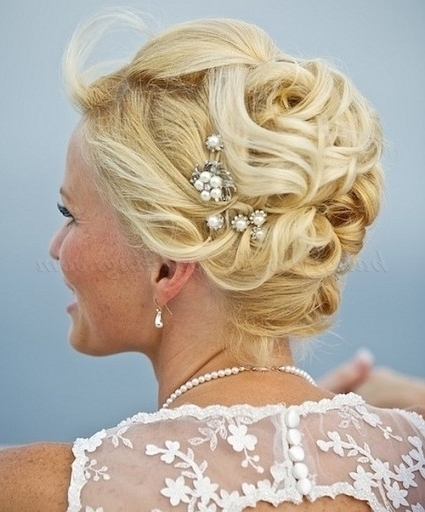 Beach Wedding Hairstyles – Bridal Updo For Beach Weddings Throughout Pertaining To Latest Mother Of The Bride Updo Hairstyles For Weddings (View 12 of 15)
