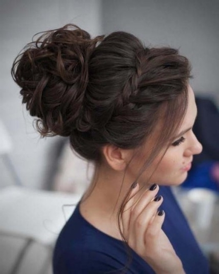 Curly Messy Bun Prom Up Do Hairstyle 2018 | Modren Villa In Throughout Newest Curly Bun Updo Hairstyles (View 2 of 15)
